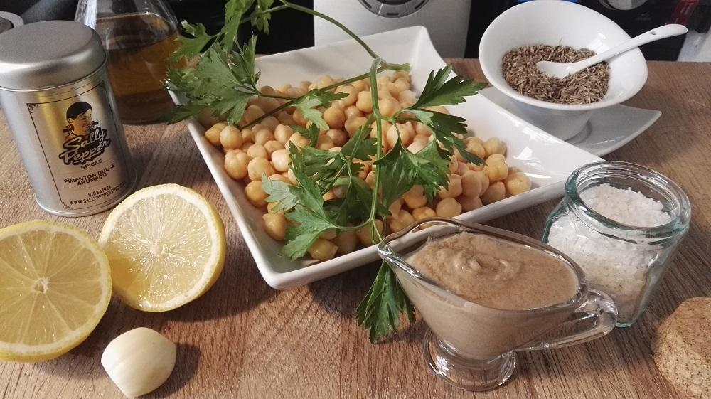 Sally Pepper-Spices-Tienda-especias-Madrid-receta-Hummus-Ingredientes-Comino-Pimentón-Garbanzos-Limón-Ajo-Tahín-Perejil-Aceite-Sal-1000 x 561