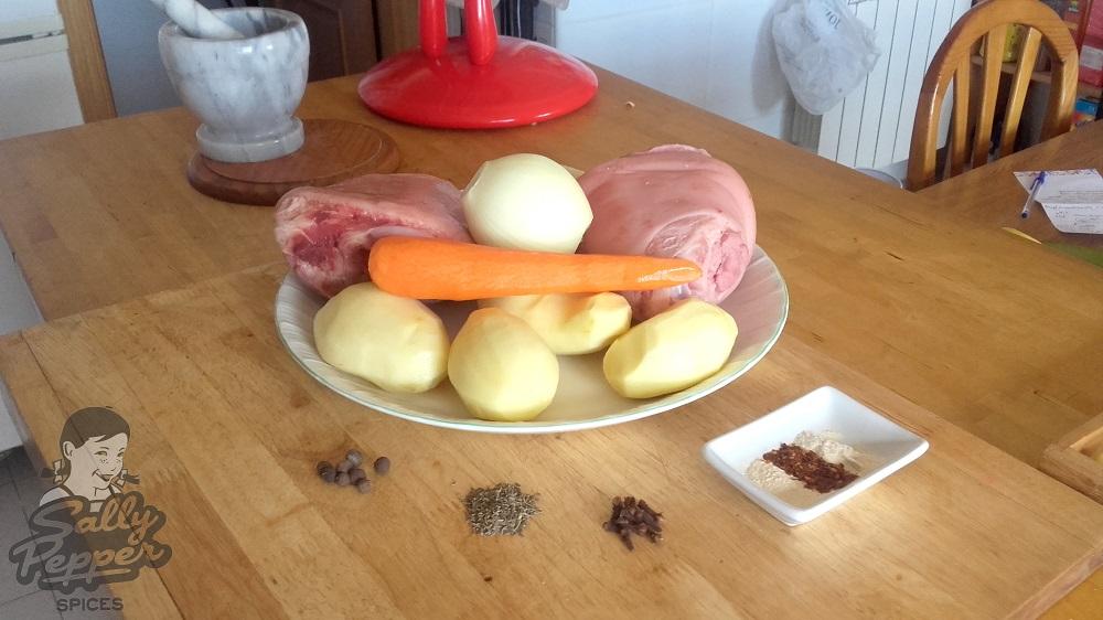 Ingredientes principales para preparar el codillo de cerdo al estilo Sally Pepper.