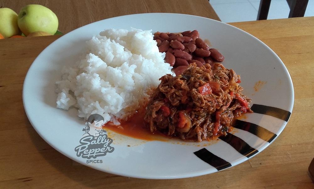 Sally Pepper-Spices-Tienda-de-especias-en-Madrid-receta-CARNE MECHADA-Ración-con-frijoles-y-arroz-1000 x 603