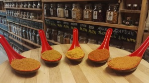 Diferentes currys para hacer ARROZ CASIMIR: Curry Picante, Curry Madrás, Curry London, Curry Rojo picante y Curry Colombo.