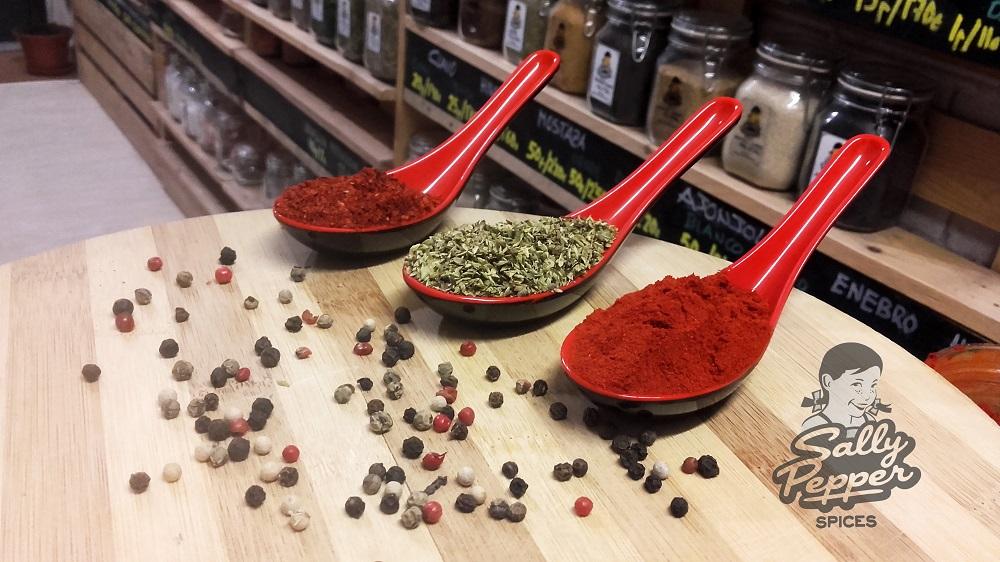 Sally Pepper-Spices-Tienda-Especias-salsas picantes-chiles-cestanavidad-Madrid-Receta-Tirocafteri-Pimienta-Orégano-Pimentón-Guindilla-chile-molido-#cestanavidad-1000 x 562