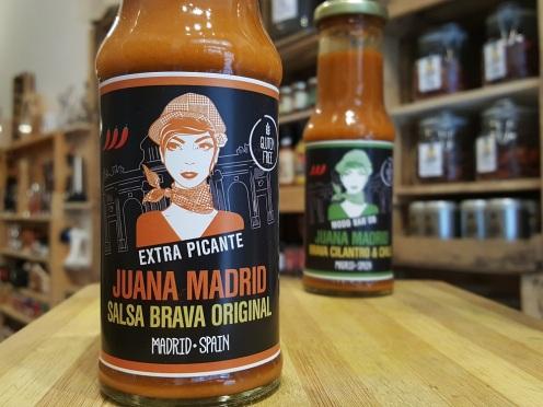 Sally Pepper-Spices-Tienda-Especias-salsas picantes-chiles-Madrid-Juana Madrid-salsa-brava-original-1000 x 700